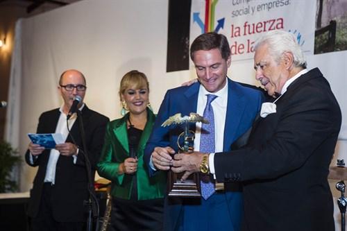 14102014_Grupo OHL recibe el Premio Fundación Morera & Vallejo – Compromiso Social  (1)