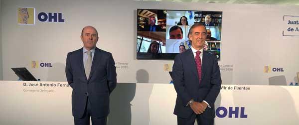 José Antonio Fernandez Gallar (izq) y Juan Villar-Mir de Fuentes en la Junta General de Accionistas de OHL, celebrada de forma telemática desde la sede de la compañía, en Torrespacio, (Madrid)