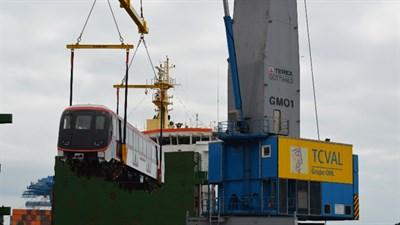 16.04.07 TCVAL Recibe Primeros Trenes Lineas 6 Y 3 Metro Santiago