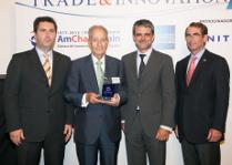 Entrega del premio a la mejor expansión internacional en el ábmito de las grandes empresas a Juan-Miguel Villar Mir por parte de la Cámara de Comercio de Estados Unidos en España