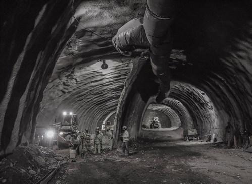 2PREMIO 19-Dentro-del-túnel.-Autopista-Américo-Vespucio-Oriente_